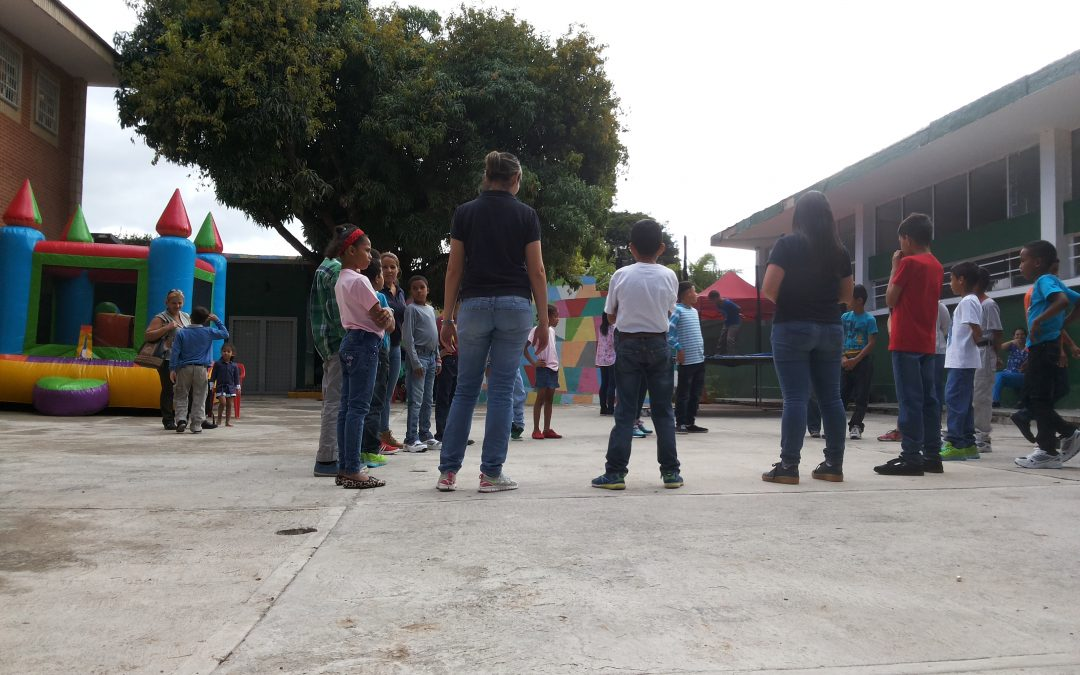 """Niños y niñas del CAI """"Paula Correa"""" disfrutaron de actividades recreativas en los Chorros"""