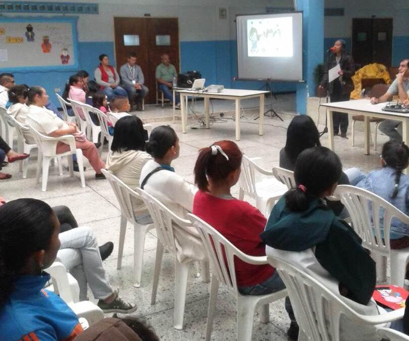 """Idenna dictó taller formativo a padres, madres, representantes, docentes y personal administrativo de la E.B. """"Los Curos"""" de Mérida"""