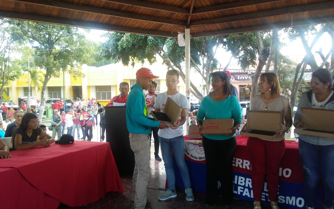 Más de mil 600 larense reciben beneficios del Gobierno Nacional en Lara