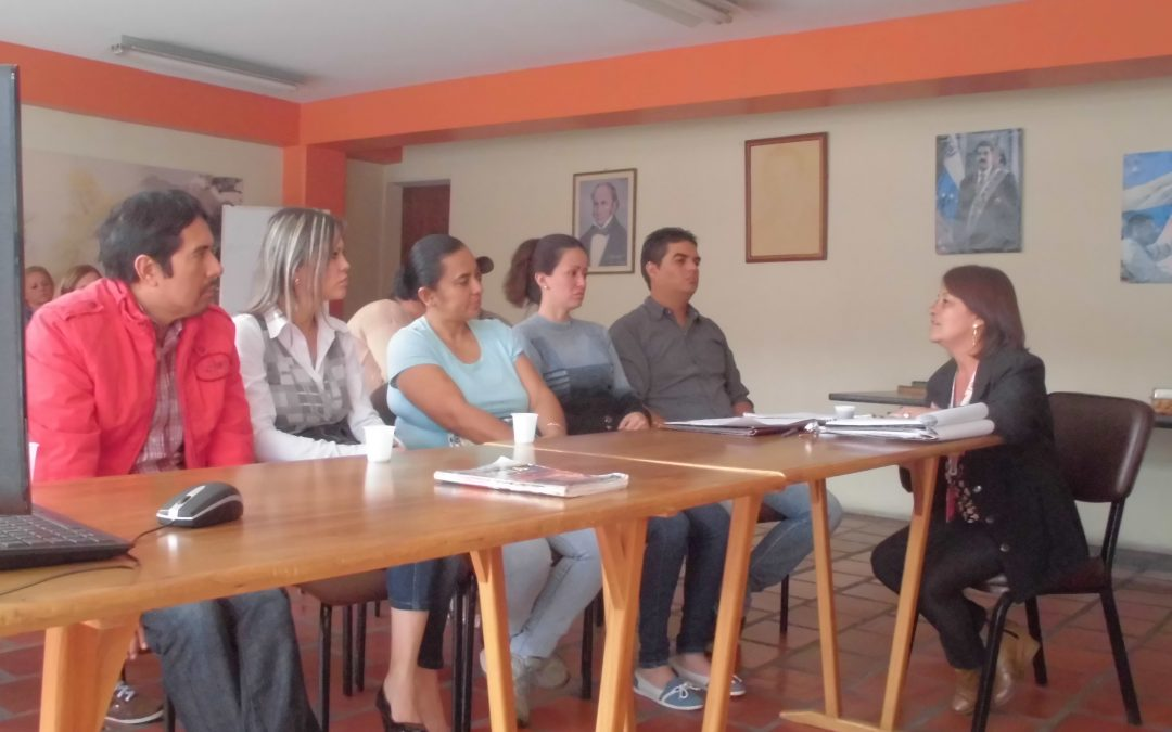 Idenna adelantó taller de Colocación familiar con padres solicitantes de Adopción