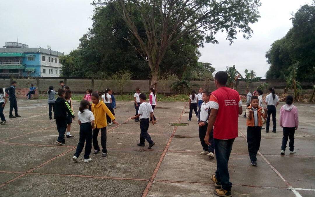 """Idenna realizó jornada recreativa a estudiantes de la U.E """"Padre Delgado"""" en Yaracuy"""