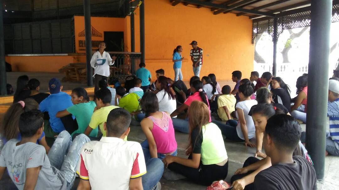 Idenna facilitó conversatorio sobre la Comunicación Asertiva y Resolución de Conflicto a recreadores en el Mirador Angostura en Bolívar