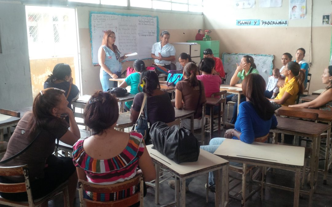 """Idenna  realizó taller de los deberes, derechos y garantías de los NNA en la U.E.N. """"Lesbia Plater"""" en Miranda"""