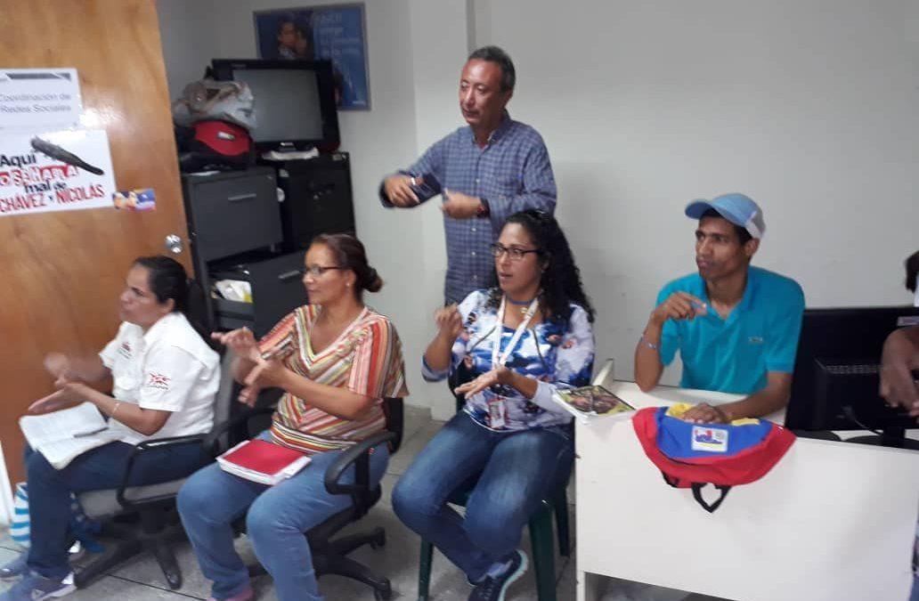 Servidores públicos del Idenna  reciben capacitación sobre lenguaje de señas