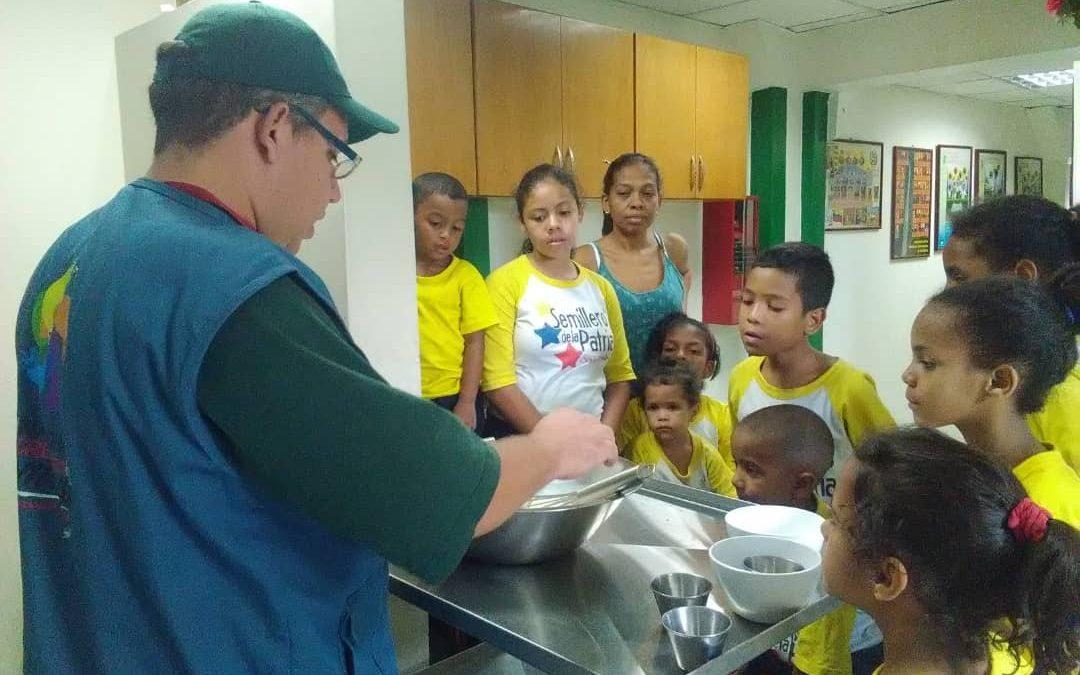 """Idenna realizó taller de """"Artes Culinarias"""" en el CCPI """"Tigui Tiguito"""" de Miranda"""