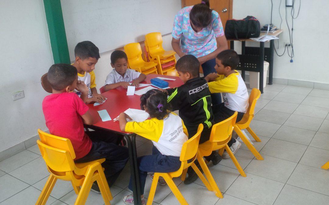 """Idenna realizó terapia para detectar el desempeño de los niños y niñas del CCPI """"Tigui Tiguito"""" en Miranda"""