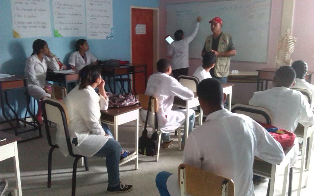 Idenna realizó un encuentro formativo con estudiantes de Medicina Integral Comunitaria
