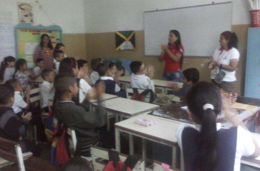 """Idenna promueve deberes y derechos de los niños en la U.E.N.B. """"Arístides Garbiras"""""""