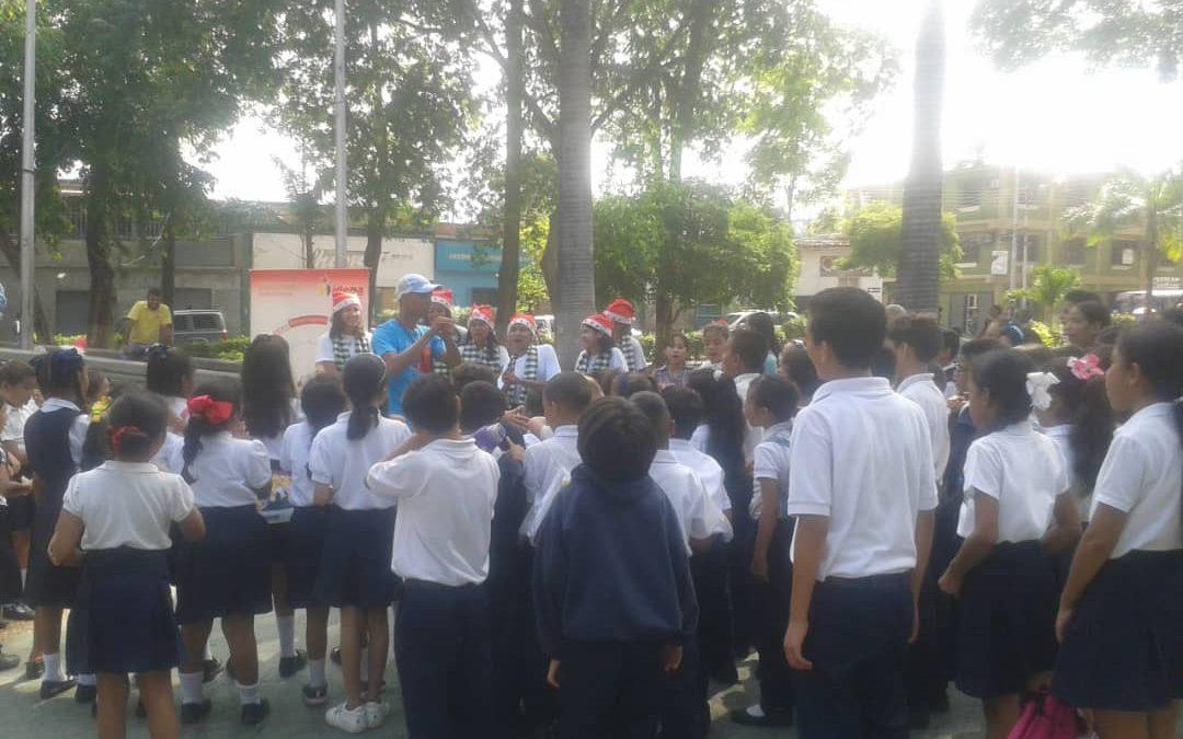 Con un acto masivo Idenna celebró aniversario de la Convención de los Derechos del Niño en Anzoátegui