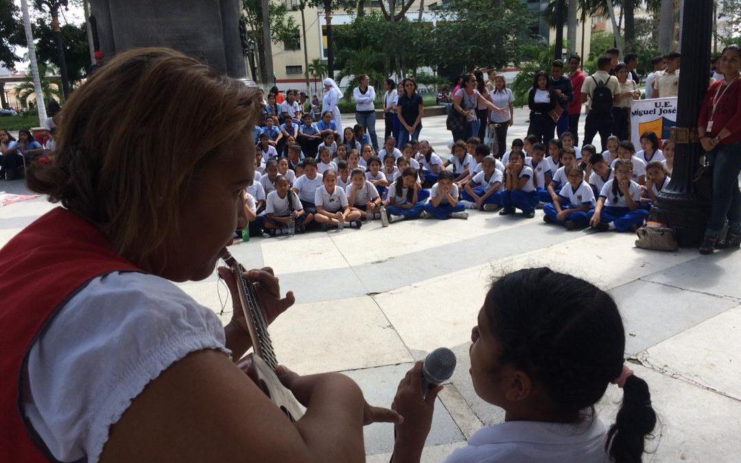 Idenna celebró el XXIX Aniversario de la Convención Sobre los Derechos del Niño en Lara