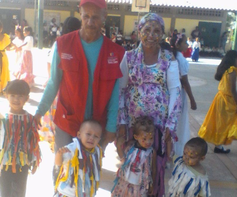 """Idenna acompañó a niños y niñas de la U. E. """"Inocente Vásquez"""" en la celebración  de su aniversario"""