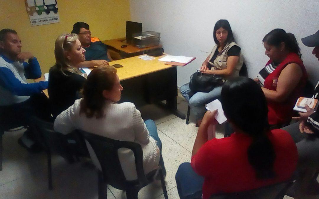"""Idenna realizó mesa de trabajo con directivos del terminal de pasajeros """"José Antonio Paredes"""" en Mérida"""