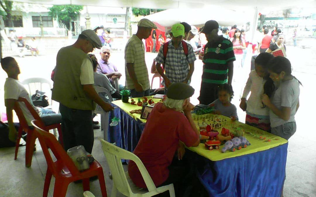 """Idenna promovió los artículos de la Lopnna en la """"Feria Internacional del Libro"""" realizada en Aragua"""