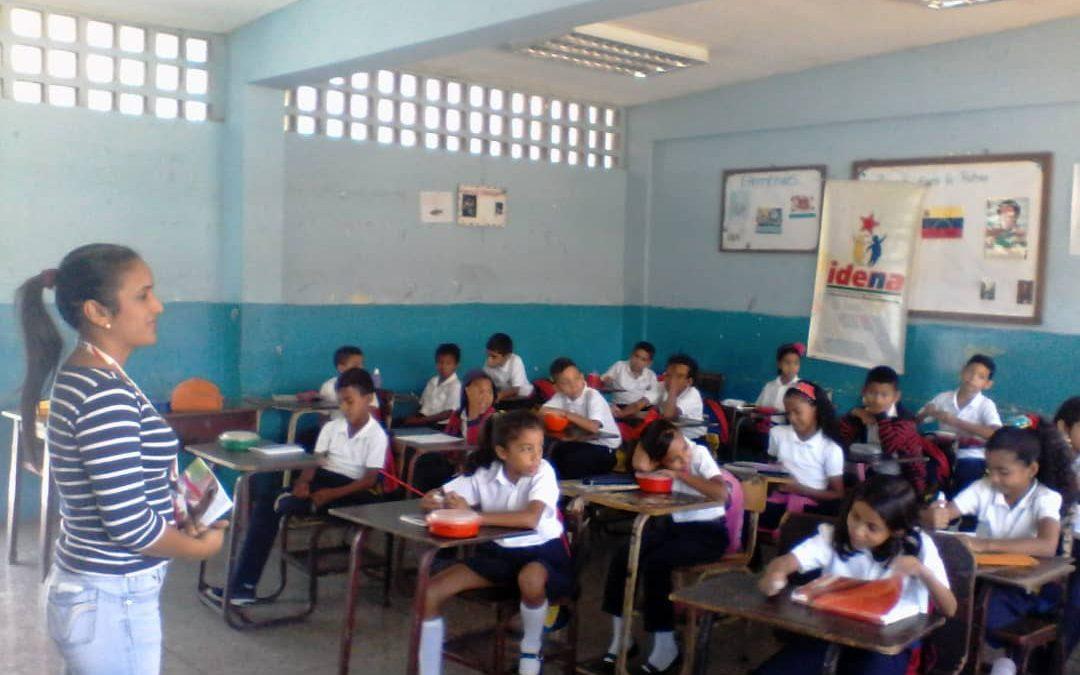 """Idenna realizó jornada educativa y recreativa en la U.E. """"Rebeca Mejías Ramírez"""" del estado Sucre"""