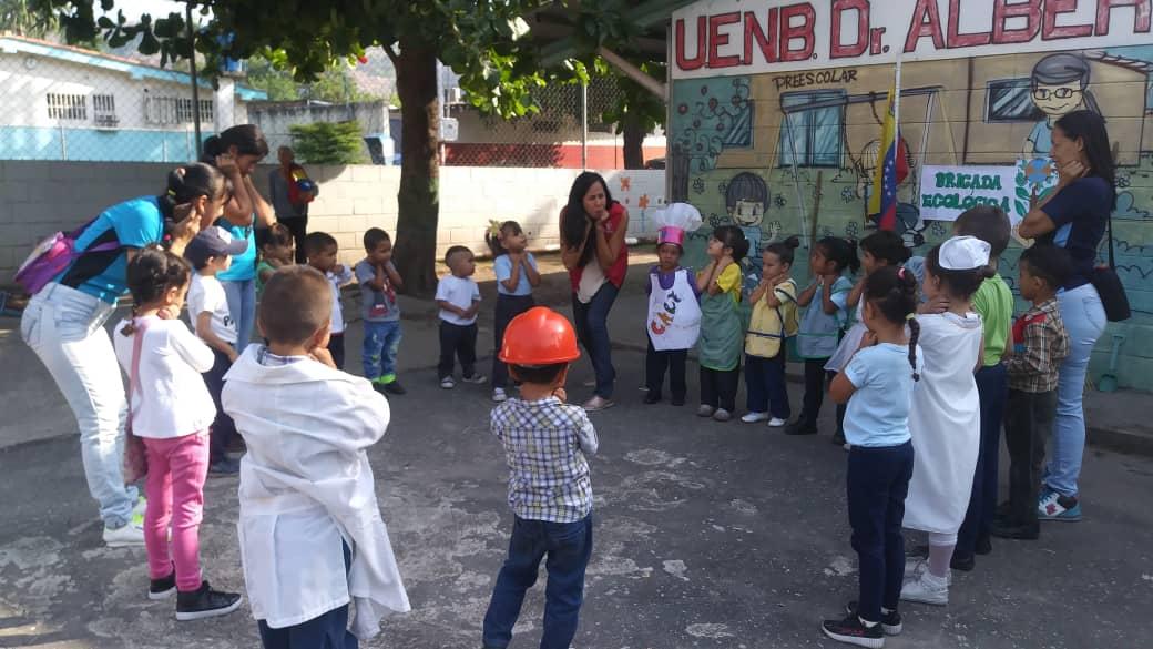 """Idenna participó en la juramentación de la Brigada Ecológica en la U.E.N. """"Dr Alberto J. Fernández"""" de Aragua"""
