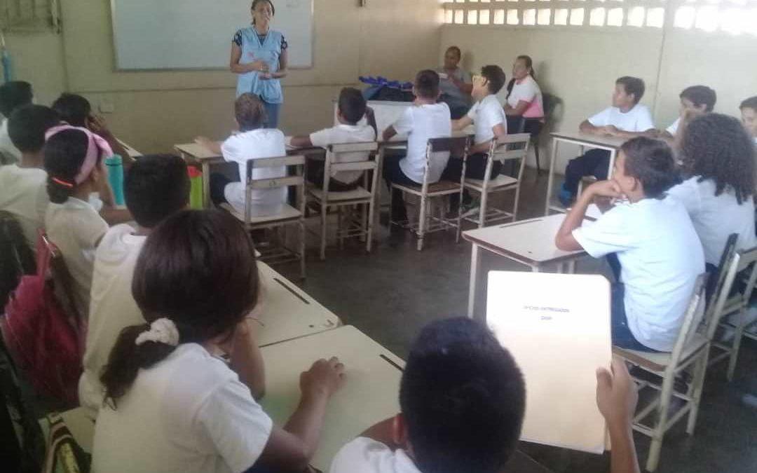 """Idenna realizó conversatorio a estudiantes de la Escuela Primaria Estadal """"Eleazar Almarat"""" en Cojedes"""