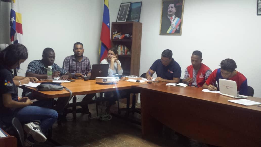 Idenna participó en una reunión con los integrantes de la Mesa del Vivir Bien en el estado Vargas