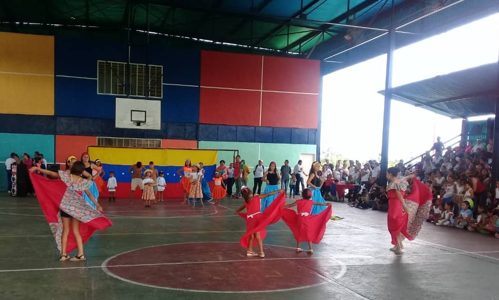 """Idenna realizó una gala cultural con los NNA de la Unidad Educativa """"Enrique Flores"""" del estado Trujillo"""